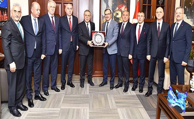 Mustafa Yağlı OSBÜK Zirvesi'nde