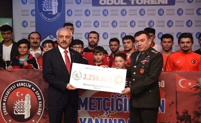 Asker selamıyla Mehmetçiğe bağış