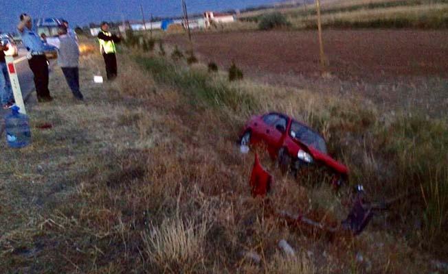 Otomobiller çarpıştı, 2 yaralı
