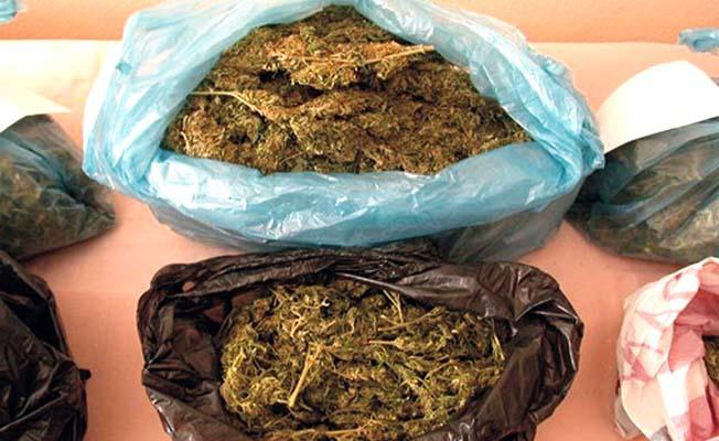 Uyuşturucuya 2 tutuklama