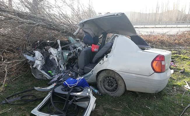 Araç yoldan çıktı, 2 ağır yaralı