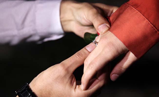 112 personelinden sürpriz evlilik teklifi