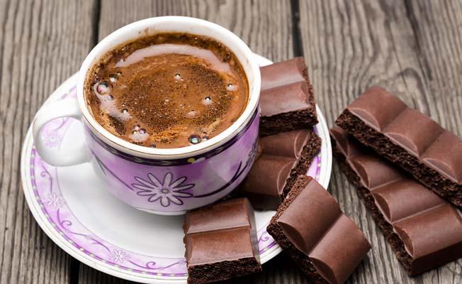 Kahve ve çikolata hastanelik etti
