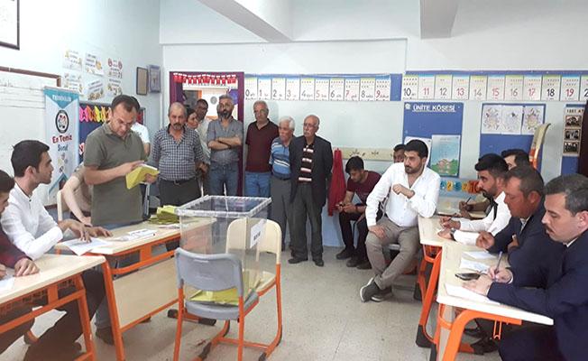 7 köy, 2 mahalleye muhtar seçildi