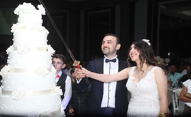 Zavır çiftinin mutlu günü
