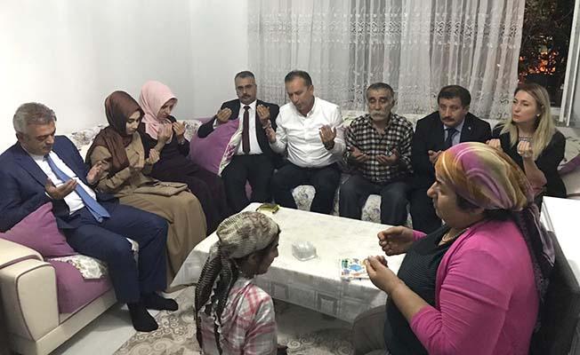 Ceylan ve Ahlatcı'dan şehit ailesi ziyareti