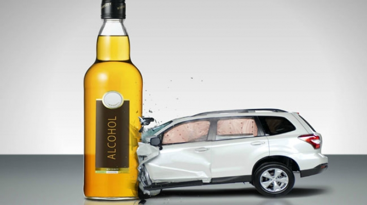 Ehliyetsiz sürücü alkollü yakalandı