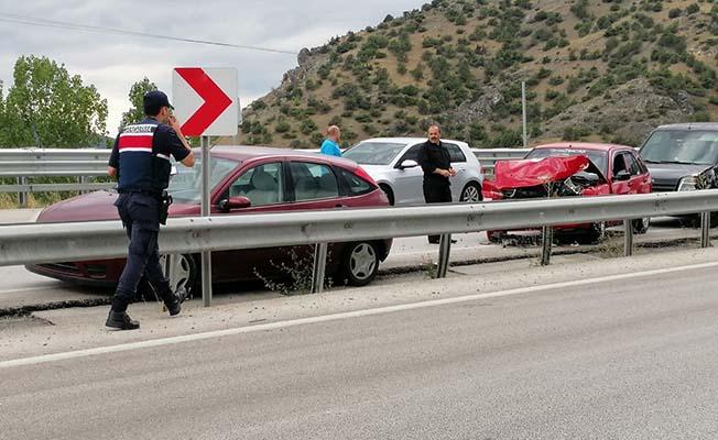 Zincirleme kaza, 11 araç birbirine girdi