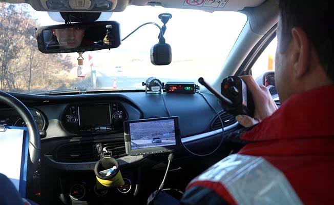 Jandarma'dan dronlu yol kontrolü