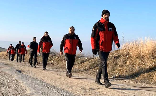Kurtarma ekibi yürüdü