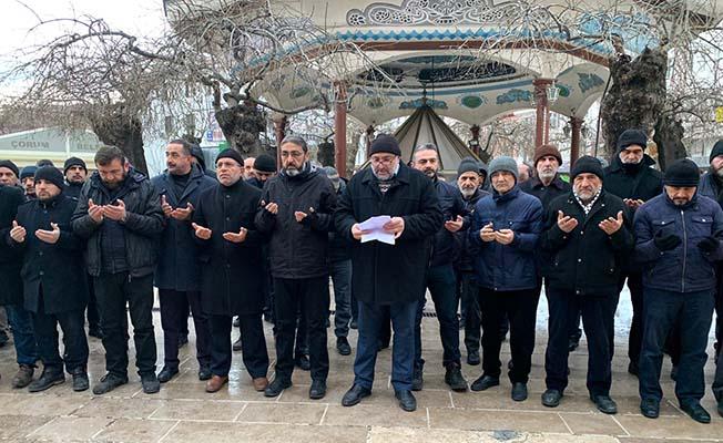 Ulu Cami'de dua ve açıklama