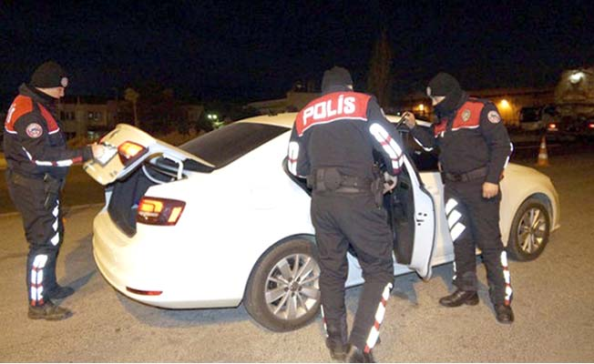 Polis sahada