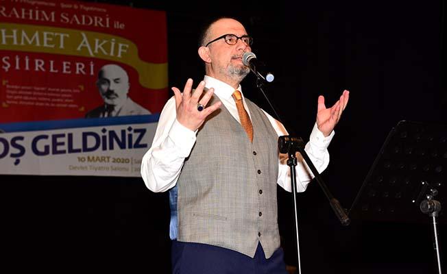 Mehmet Akif'i rahmetle anıyoruz