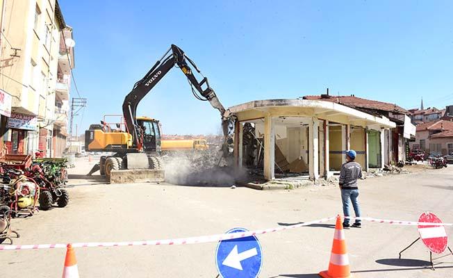 Kamulaştırılan binalarda yıkım