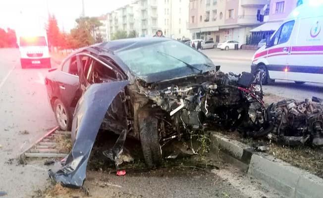 Araç hurdaya döndü, 1 kişi yaralı