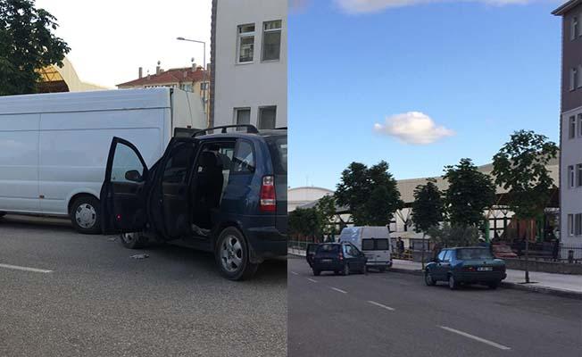 Buharaevler'de kaza, duran minibüse çarptı