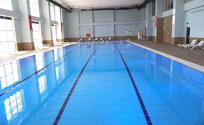 Yüzme havuzu 18 yaş altına ücretsiz