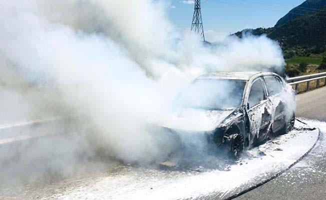 D-100 Karayolu'nda araç yangını