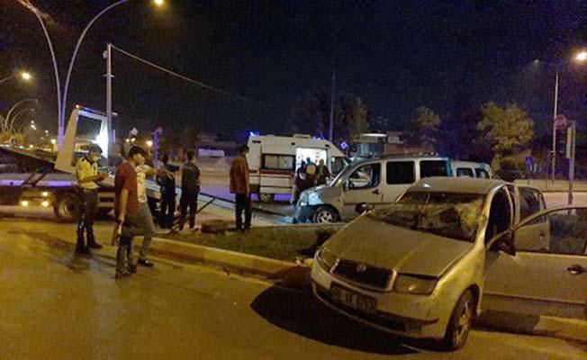 Akşemseddin Caddesi'nde kaza, 6 yaralı