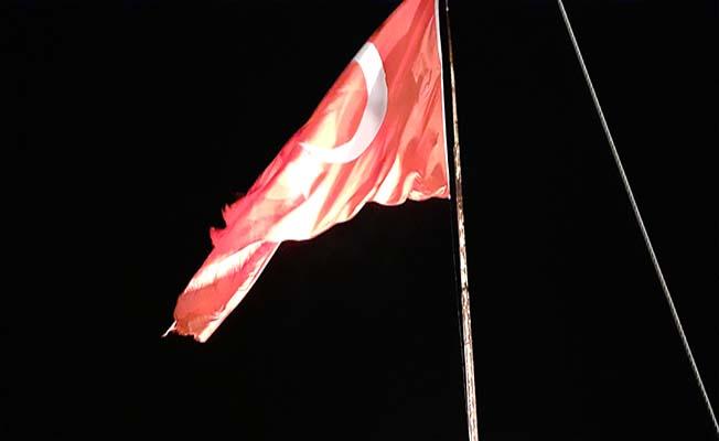 Kandiber'de dalgalanan bayrak ilgi bekliyor