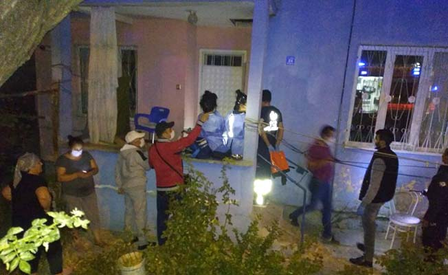 Komşuların dikkati yaşlı kadını kurtardı