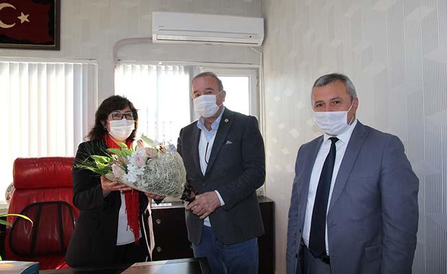 Öğretmen başkan yardımcısını kutladı
