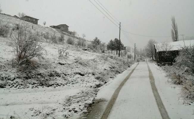 Çorum'a yağmur ve kar geldi