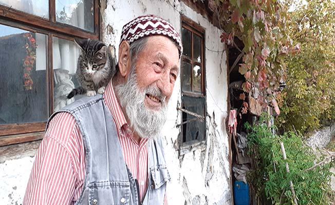 Hayvansever Halil Dede vefat etti