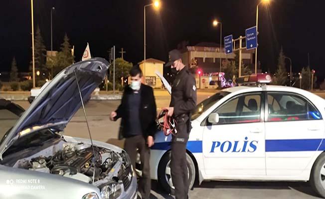 Yolda kalanlara da polis yetişti
