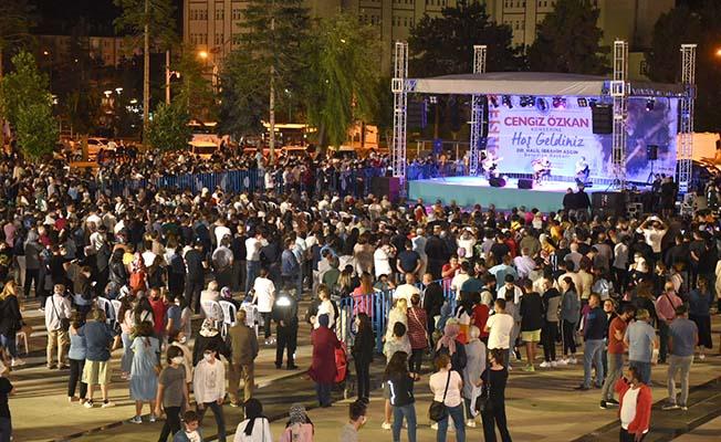 Kadeş Meydanı'nda yaz boyu konser