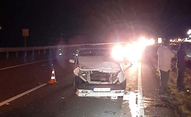 Kamyonet otomobille çarpıştı, 4 yaralı
