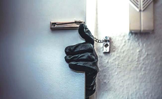 Borcu için çektiği krediyi hırsızlar çaldı