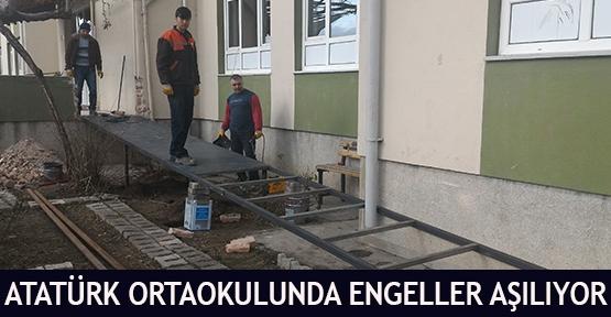 Atatürk Ortaokulunda Engeller Aşılıyor