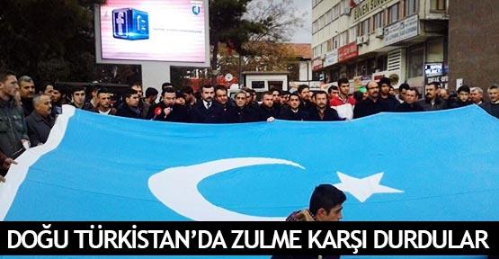 Doğu Türkistan'da zulme karşı durdular