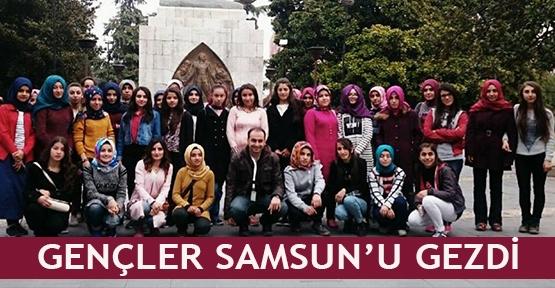 Gençler Samsun'u gezdi