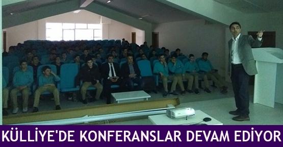 Külliye'de konferanslar devam ediyor