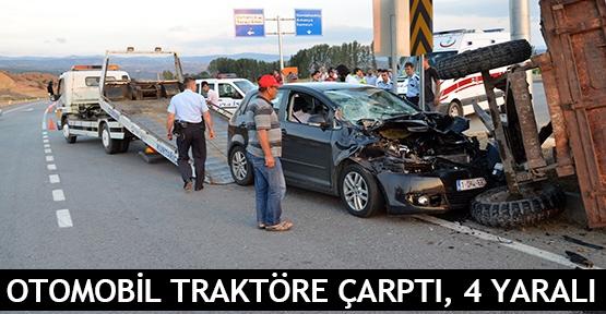 Otomobil traktöre çarptı, 4 yaralı