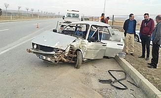 İki araç çarpıştı, 4 yaralı