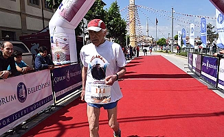 93 yaşında 10 bin metre koştu