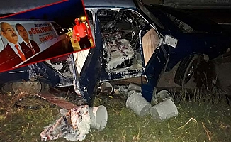 Milletvekili Köse'nin minibüsü kaza yaptı