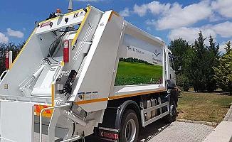 Hibe çöp kamyonu geldi