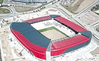 Yeni stadyumda çim serimi başladı