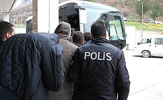 5'i tutuklandı, 14'ü adliyeye sevk