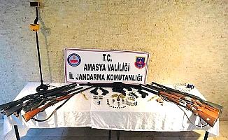 Silah kaçakçılığına 13 gözaltı