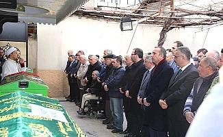 Bakan cenazeye katıldı