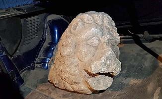 Operasyonda aslan heykeli ele geçirildi