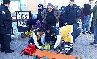 3. kattan düşen çocuk ağır yaralı