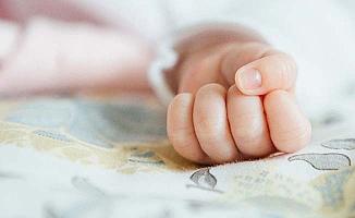 40 günlük bebek kanepeden düştü
