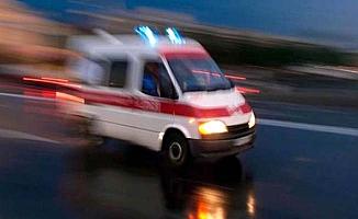 Araç motosikletle çarpıştı
