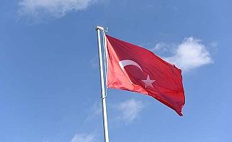 Mehmetçik Parkı'na Türk Bayrağı